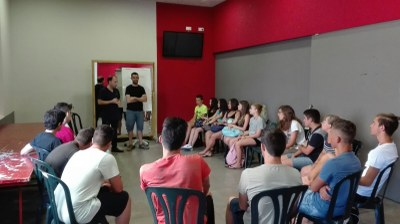 Un grup de joves de Guissona participen als camps de treball local.